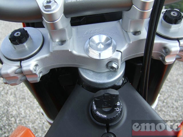 Photo de la KTM Enduro 690 modèle 2008