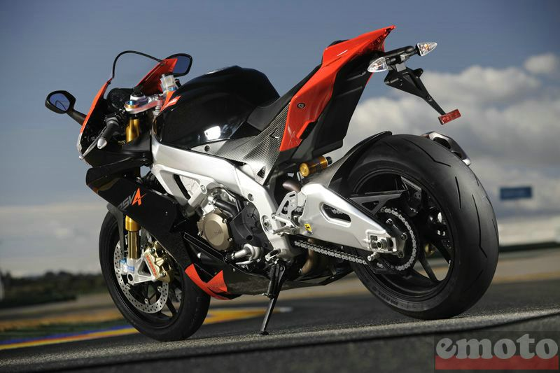 Photo de la Aprilia RSV4 Factory modèle 2009