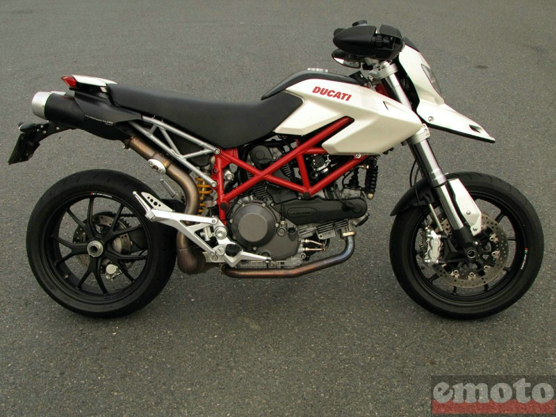 Photo de la Ducati Hypermotard 1100 modèle 2009