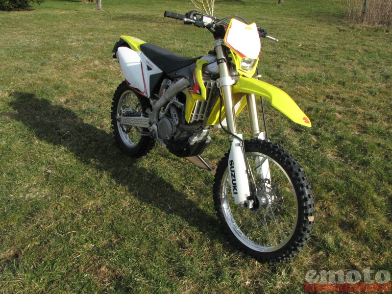 Photo de la Suzuki RMX450Z modèle 2010