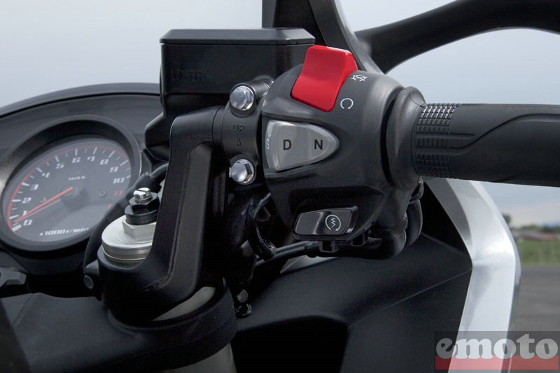 Photo de la Honda VFR 1200 F DCT modèle 2010