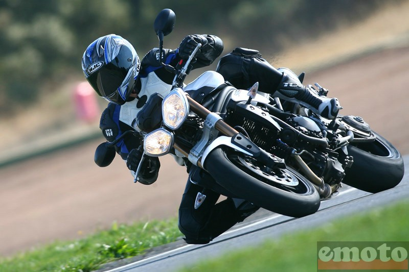 Photo de la Triumph Speed Triple 1050 modèle 2011