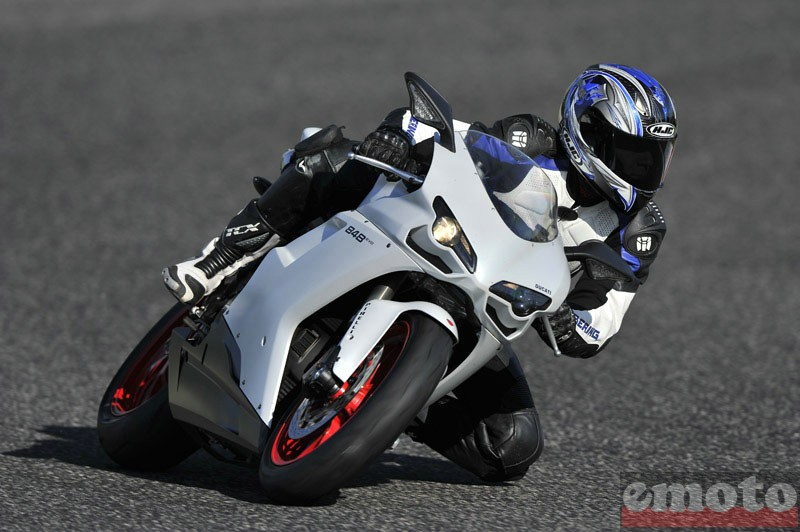 Photo de la Ducati 848 Evo modèle 2010