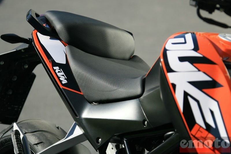 Photo de la KTM Duke 125 modèle 2011