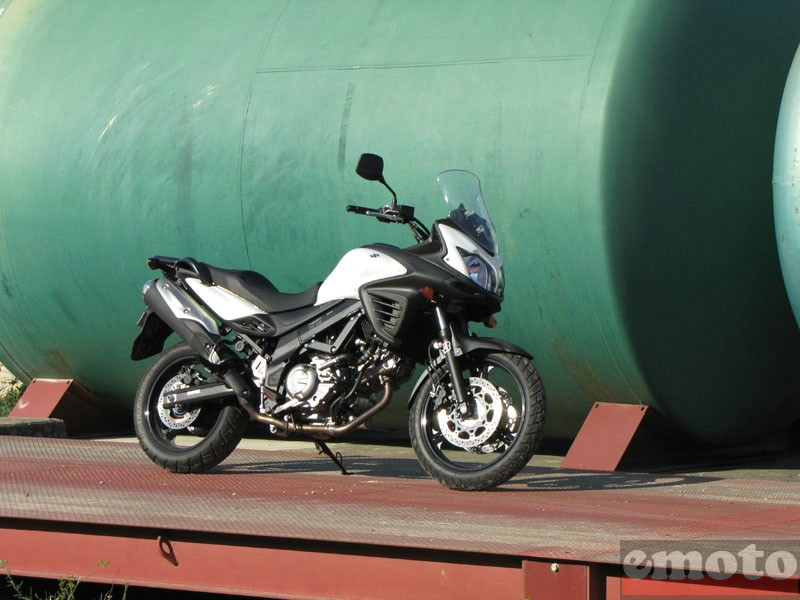 Photo de la Suzuki V-Strom 650 modèle 2011