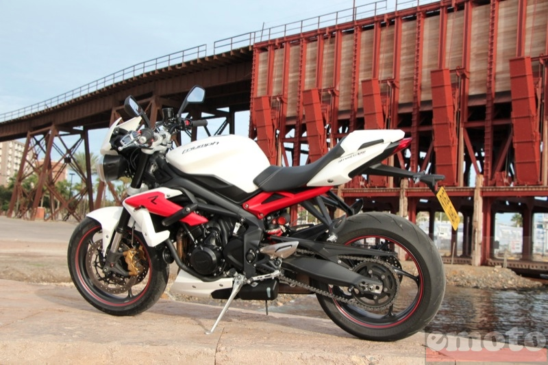 Photo de la Triumph Street Triple R modèle 2013