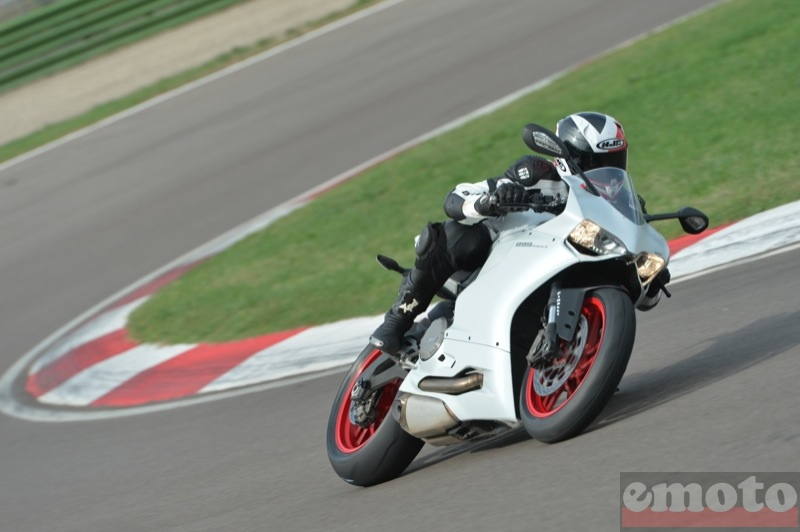 Photo de la Ducati 899 Panigale modèle 2014