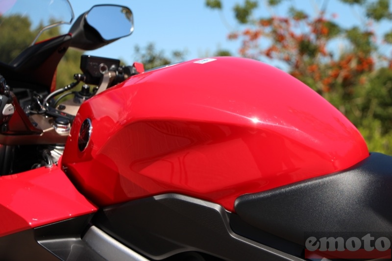 Photo de la Honda VFR 800 F modèle 2014