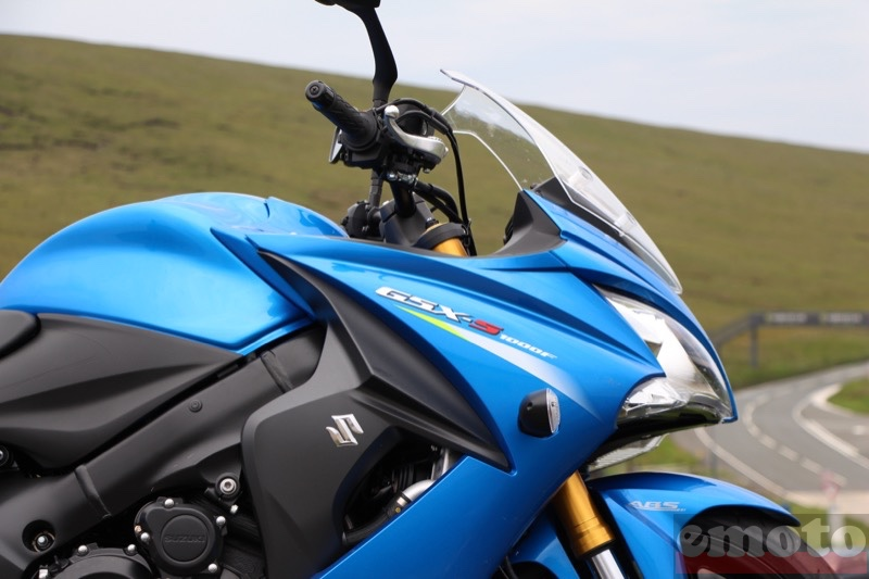 Photo de la Suzuki GSX-S 1000 F modèle 2015