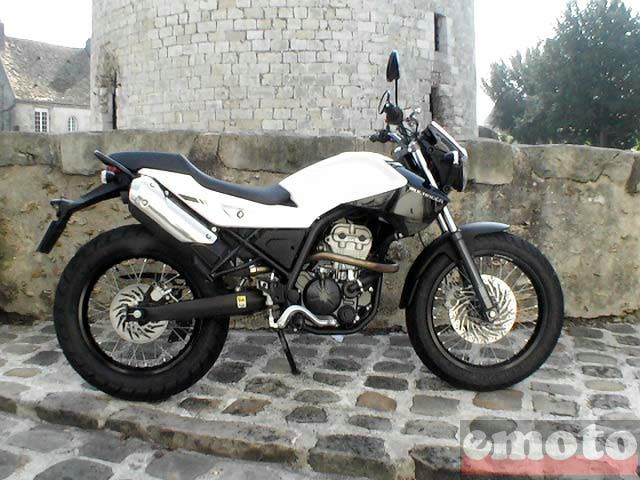 Photo de la Derbi Mulhacén 125 modèle 2007