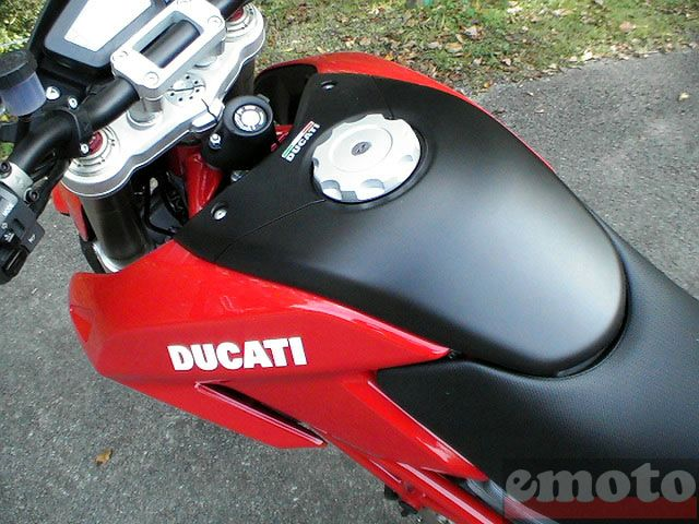 Photo de la Ducati Hypermotard 1100 S modèle 2007