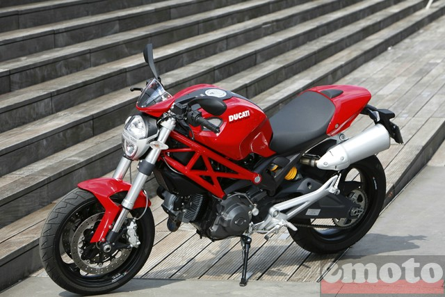 Photo de la Ducati Monster 696+ modèle 2008