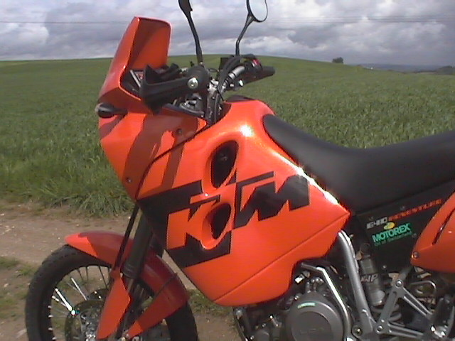 Photo de la KTM Adventure 640 modèle 2004