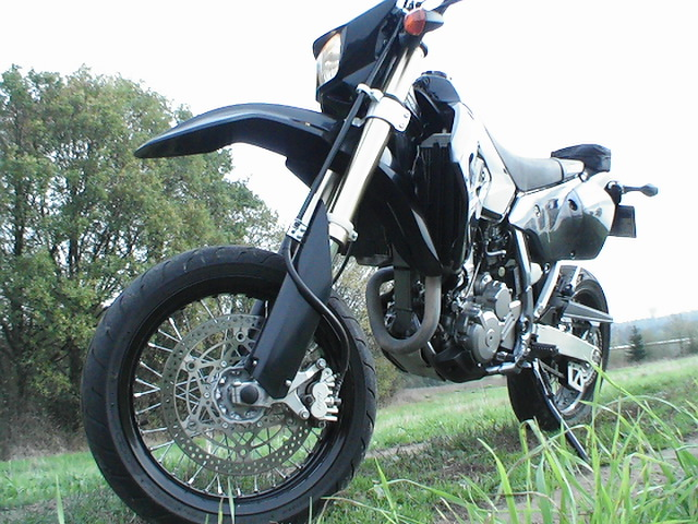 Photo de la Suzuki DRZ 400 SM modèle 2005